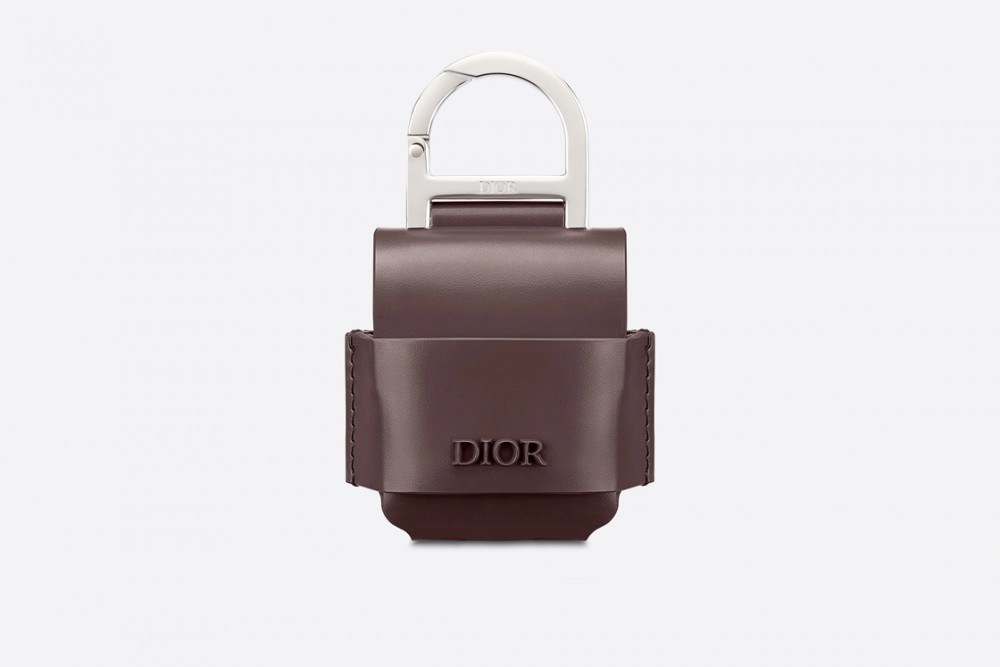 opportunity-cost-dior-men-airpods-case-style-fashion-menswear-accessories-luxury-shopping-esquire-singapore-esquiresg-07