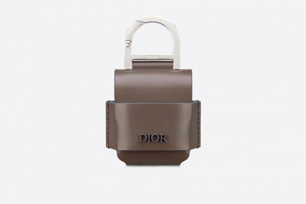 opportunity-cost-dior-men-airpods-case-style-fashion-menswear-accessories-luxury-shopping-esquire-singapore-esquiresg-08