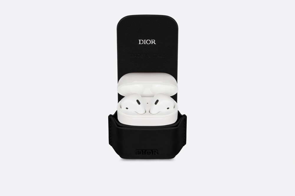 opportunity-cost-dior-men-airpods-case-style-fashion-menswear-accessories-luxury-shopping-esquire-singapore-esquiresg-13