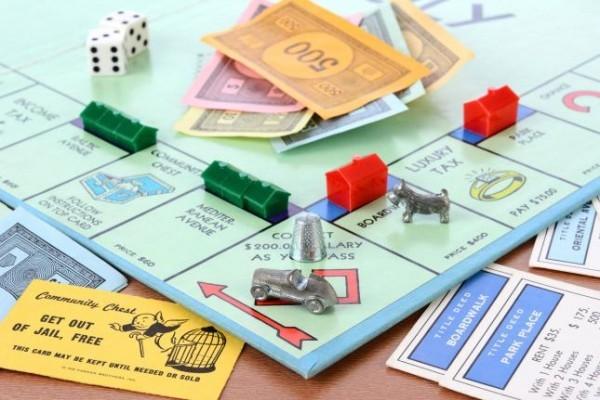 我們在家也不玩大富翁,因為遊戲性質殘暴了,有違王室禮儀!