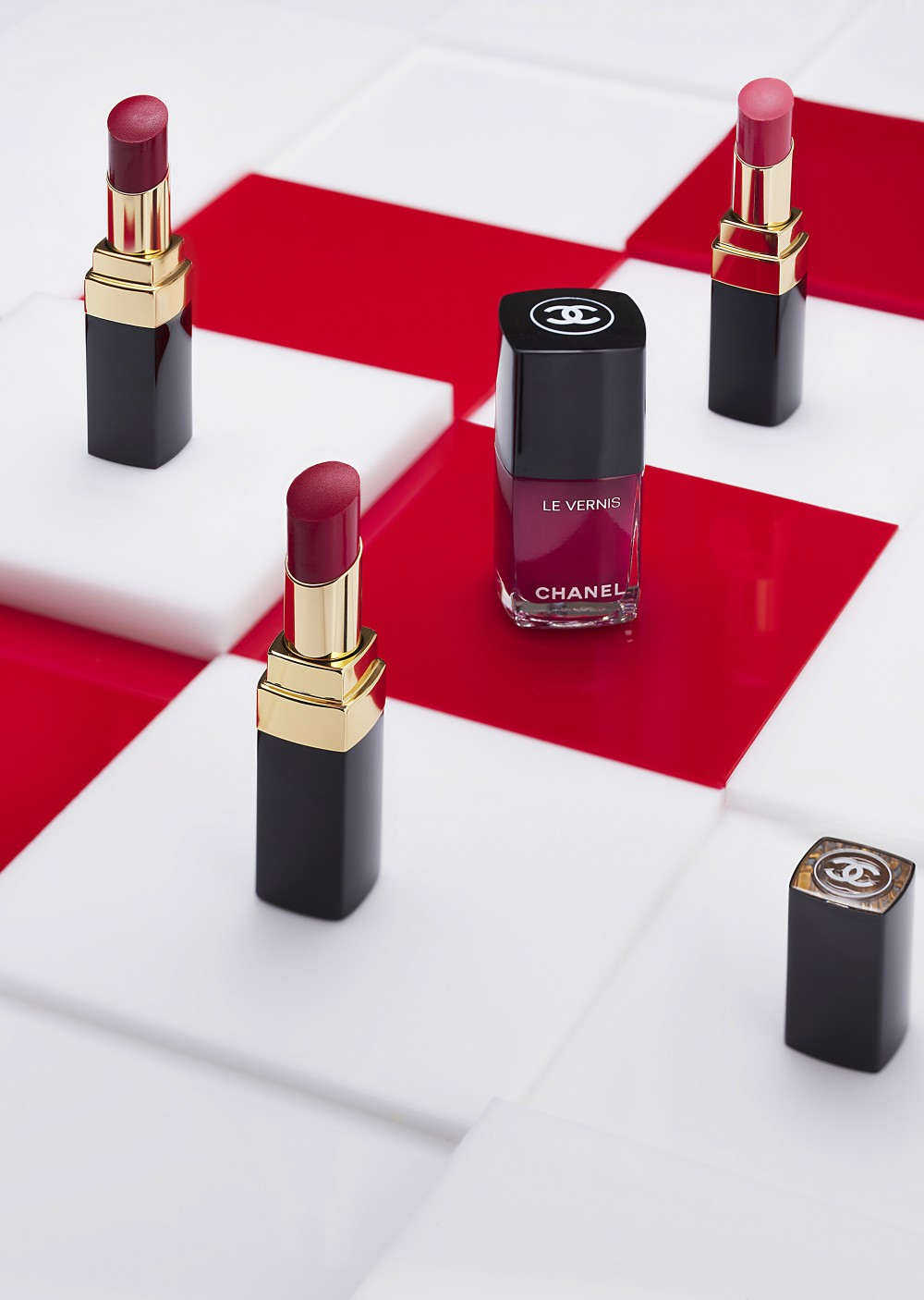 CHANEL ROUGE COCO FLASH 透亮光感唇膏 HK$290