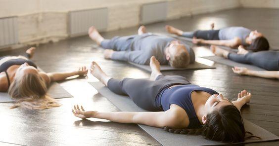 瑜珈,懶人運動,運動,失眠,放鬆,大休息法, 攤屍式
