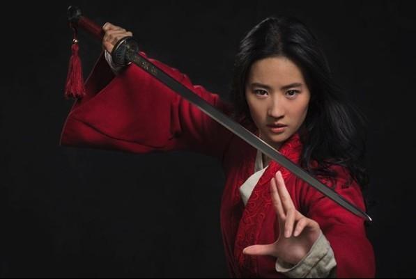 《花木蘭》未上映已被內地網民瘋狂負評?被指對準中國市場反被大罵:史上最差!