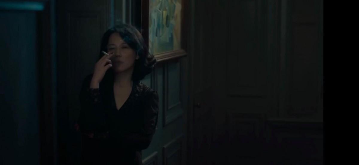 她亦受俞飛鴻飾演的姑媽「梁太」的金錢援助,其後又搭上彭于晏。其角色意態撩人,在預告中呼出煙圈,用一雙美腿勾引彭于晏,有不少床上情慾戲。片中刻畫三人的沉淪的慾望和掙扎的人性。