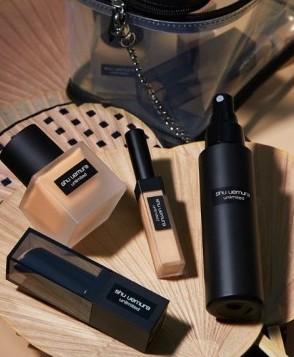 Shu Uemura在去年的無極限底妝家族反應熱烈,在2020年再推出膏狀粉底棒!這系列的底妝主打控油、遮瑕,但控油同時又能讓肌膚維持保濕度,