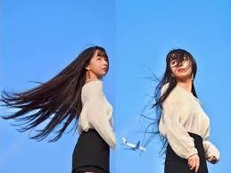 雖然兩姊妹風格不同,但她們也發揮了自己優秀的優點,努力發展不同的事業,做最舒適得自己。其實姊姊也曾經被大眾取笑那長長的黑髮,被說像女鬼,但是之後當配搭上長裙的時候又很好看。