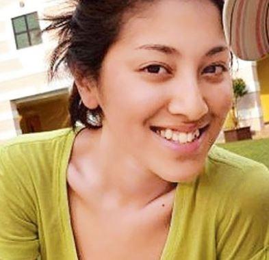 【陳凱琳】陳凱琳以前都有牙齒不整齊的情況,一張開口笑,就可以清楚看到一排亂牙的樣子,特別上排牙齒至少有三隻爆牙。