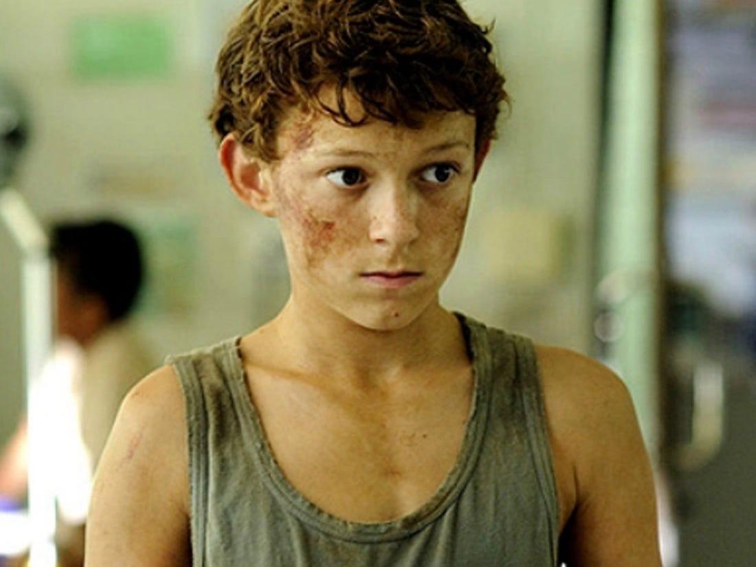 不過其實童星出身的 Tom Holland,雖然年紀小小,但小時候已經伙拍大卡士巨星拍攝電影《浩劫奇蹟》(The Impossible)