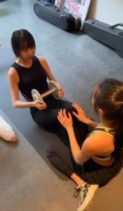 木村拓哉豪宅內的健身室也曾曝光,室中有齊全的健身器材,平日木村拓哉會和女兒們健身,一邊享受家庭樂,一邊塑身,以完美的體態示人。