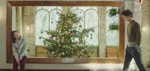 雖然今年聖誕節因疫情關係,人人也盡量要在留家中慶節。在二人的限聚令之下,街上甚是一對對,真的傷盡單身狗的心~不過以下5個星座的人就要留意了,在聖誕節前後你們的桃花運將會急升!要好好把握機會抓緊屬於自己的愛情啊~一起來看看有甚麼對策吧~
