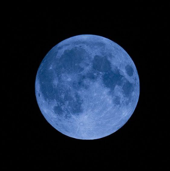 通常隔2~3年先會出現一次額外滿月,所以今次錯過咗就要等多3年喇~