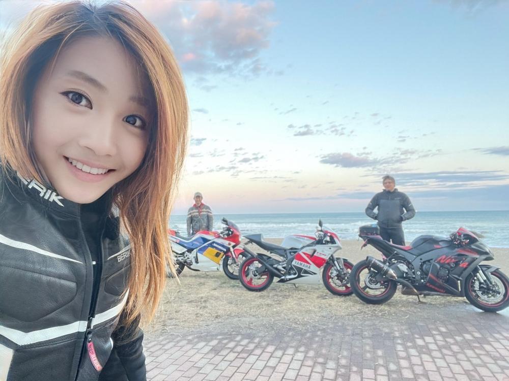日本一名金髮美女電單車騎手「宗谷の蒼氷」因甜美外型爆紅