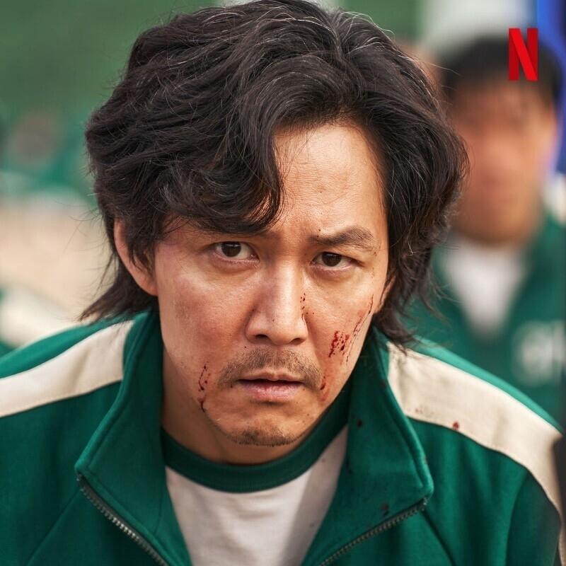 李政宰在《魷魚遊戲》中飾演「成奇勳」