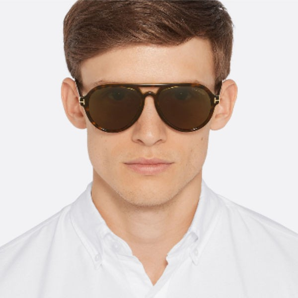 圓形、橢圓形鏡框設計的太陽眼鏡會更適合