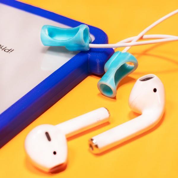 用家就能一邊使用有線的耳機,一邊使用Lightning接口充電,完美解決用家一直面對的煩惱